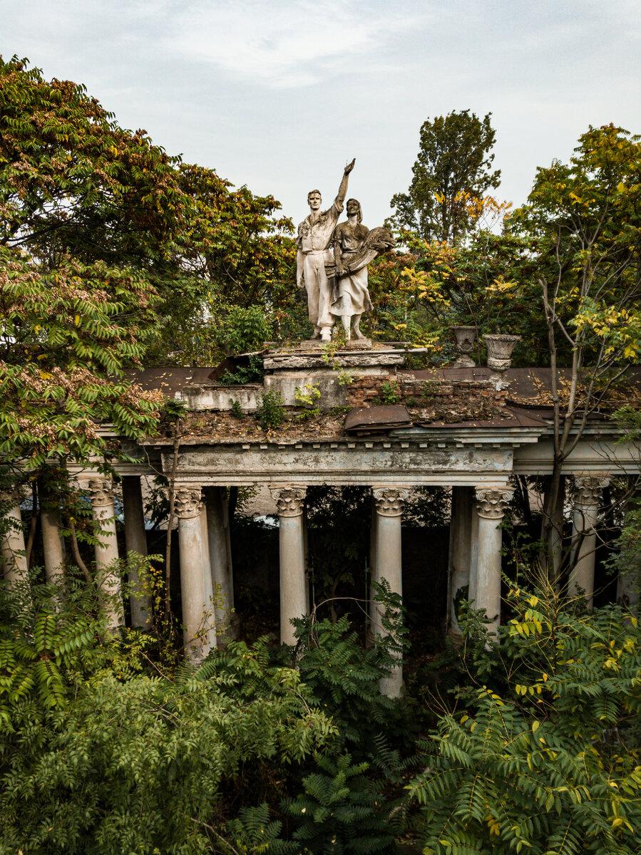 Колоннада в Чистяковской роще г. Краснодар