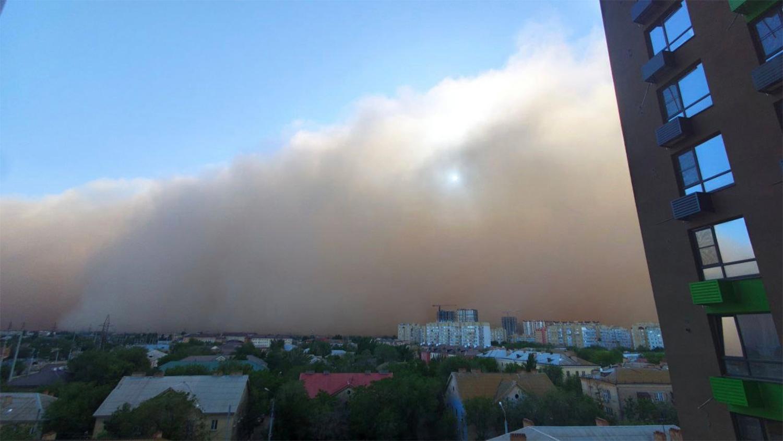 Астрахань накрыла пыльная буря - Газета.Ru   Фото