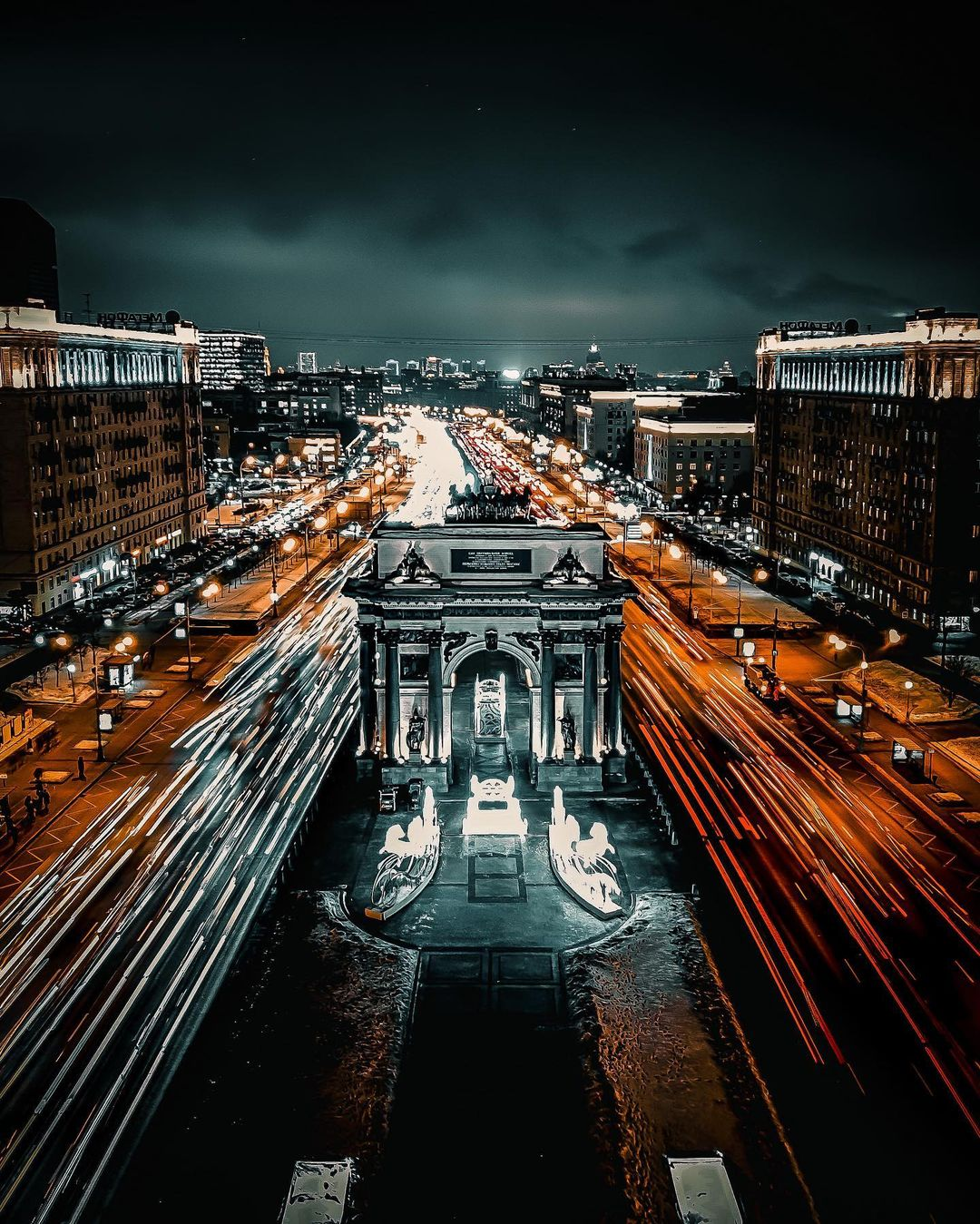 Modern Moscow Photographed by Mikhail Derevyanov