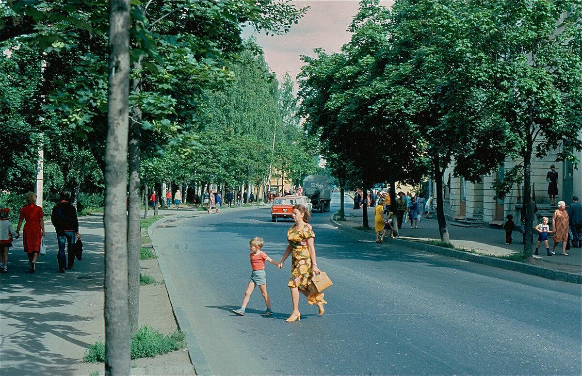 Hot Summer Days in Soviet Russia
