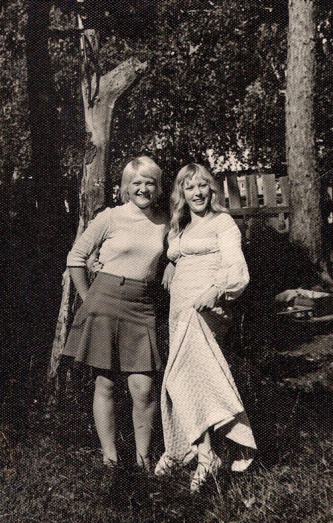 Подружки. Марина Колонтаева, февраль - декабрь 1974 года, из архива Николая Викторовича Колонтаева.