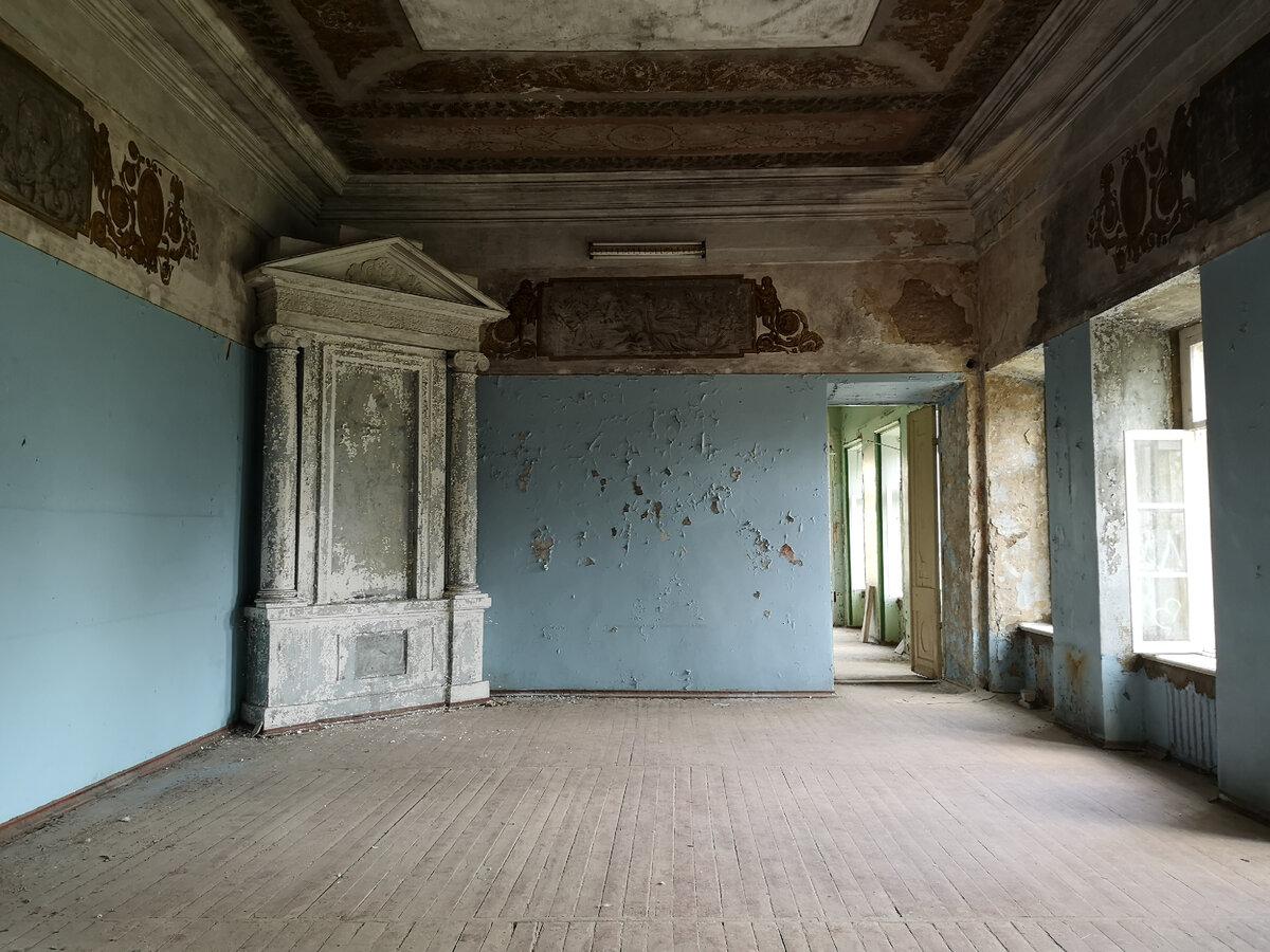Abandoned Splendor: Baryshnikovs' Estate
