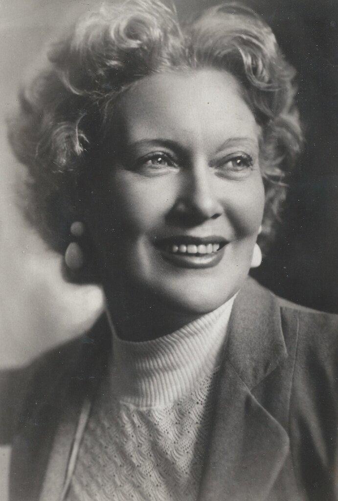 Любовь Орлова. Неизвестный автор, 1940-е, из архива Ольги Евгеньевны Шитовой-Беловой.