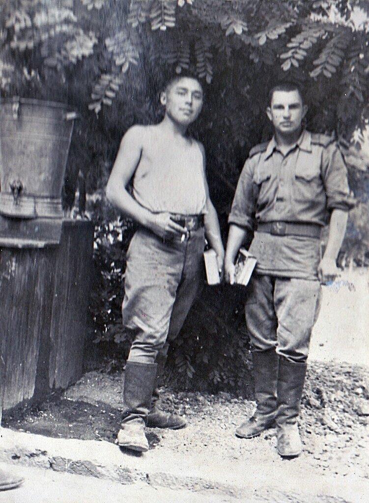 Солдаты. Неизвестный автор, июль - декабрь 1955 года, Казахская ССР, из архива Галины Пискуновой.