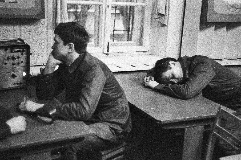 «На спокойной волне». Павел Сухарев, февраль - апрель 1984 года, Украинская ССР, г. Одесса, ул. Сегедская, из архива Павла Сергеевича Сухарева.