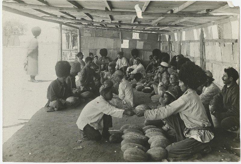 Торговля дынями. Иван Панов, 1928 год, Туркменская ССР, МАММ/МДФ.