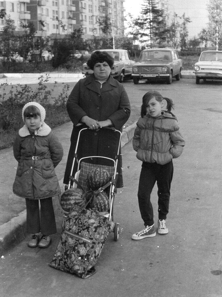 Арбузы. Виктор Тертов, 31 июля 1986 года, г. Москва, из архива Катерины Власовой.