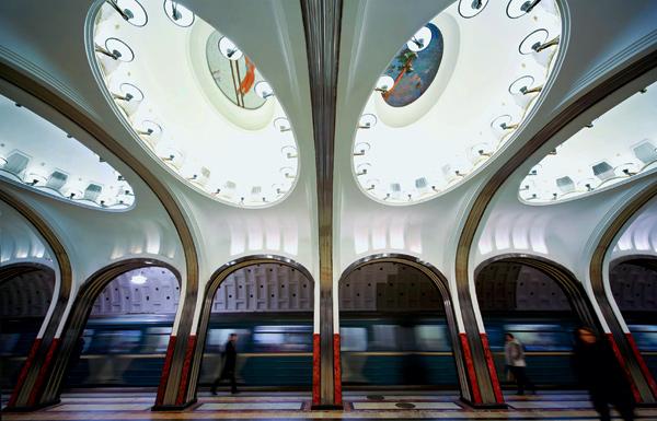 Фото №1 - 15 удивительных фрагментов московского метро