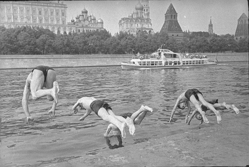 Жара. Юрий Кривоносов, 1960 год, г. Москва, МАММ/МДФ.