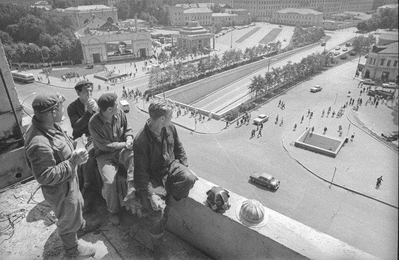«Строители Нового Арбата». Юрий Кривоносов, 1960 - 1963 год, г. Москва, МАММ/МДФ.