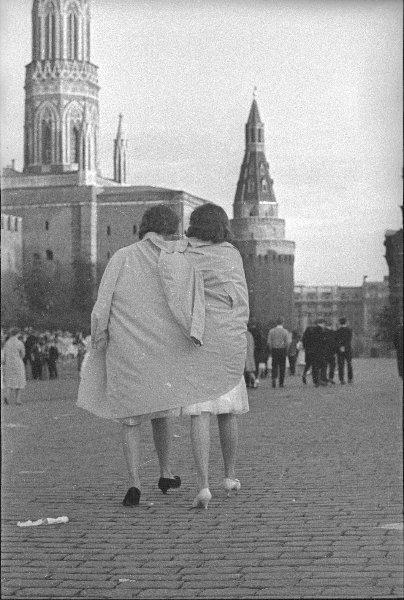 После выпускного бала. Юрий Кривоносов, 1950-е, г. Москва, МАММ/МДФ.