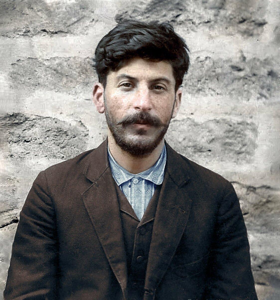 Портрет молодого И.В.Джугашвили. (Сталина). Фото сделано до революции, но я его тоже решил добавить в галерею.