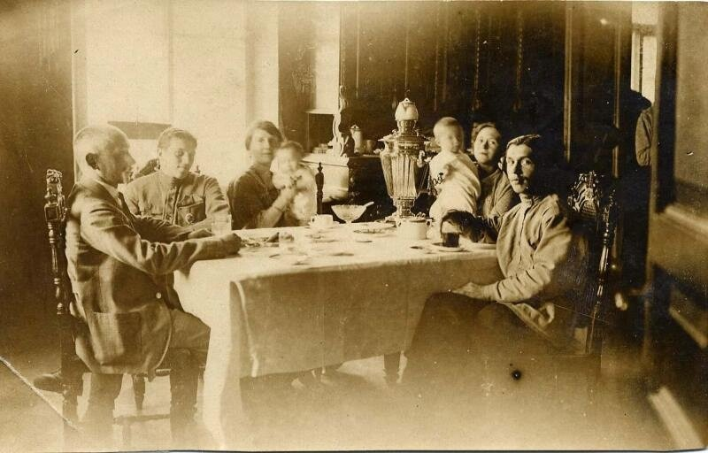 Утренний чай. Неизвестный автор, 1910-е, МАММ/МДФ.