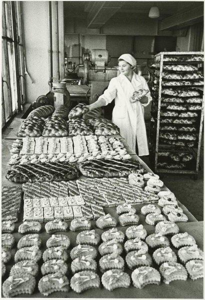 Хлебозавод. Цех готовой продукции. Аркадий Шайхет, 1947 - 1949 год, г. Петрозаводск, МАММ/МДФ.
