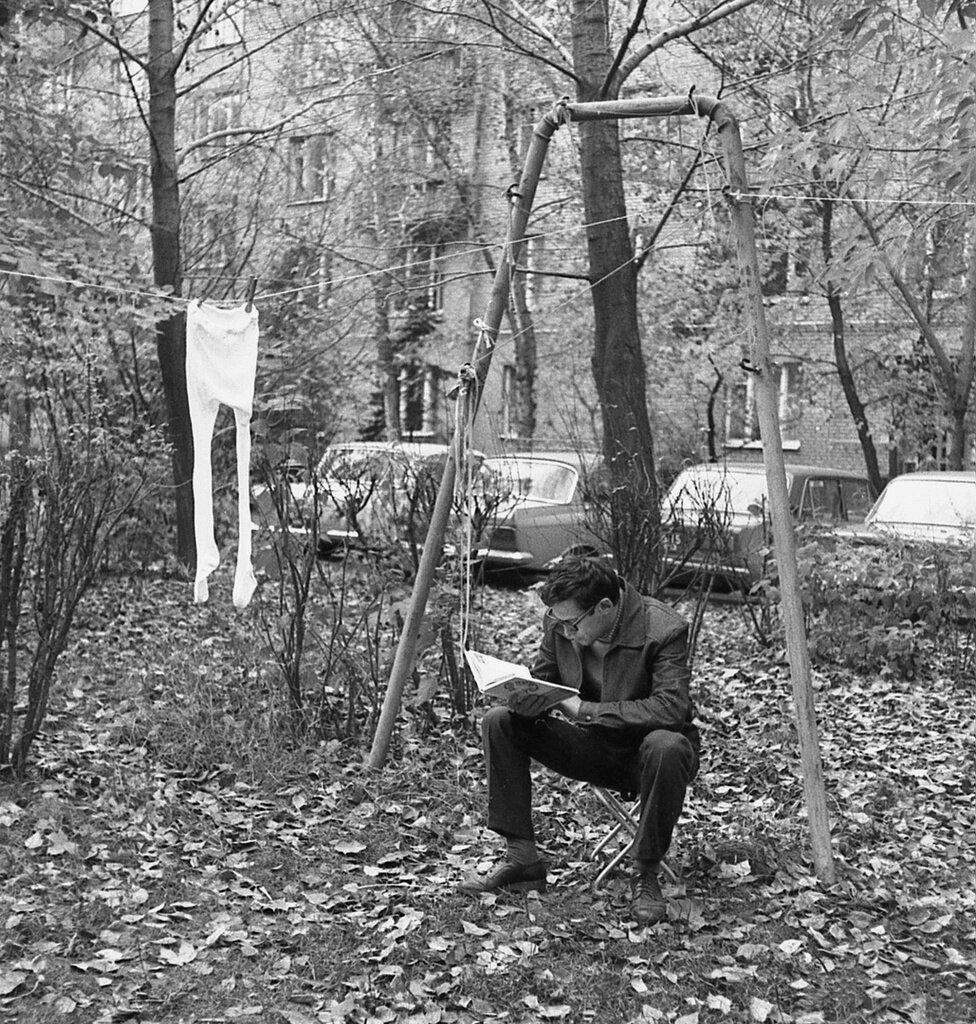 «Экспресс-сушка». Валерий Усманов, 1984 год, г. Москва, Университетский пр-т, из архива Валерия Усманова.
