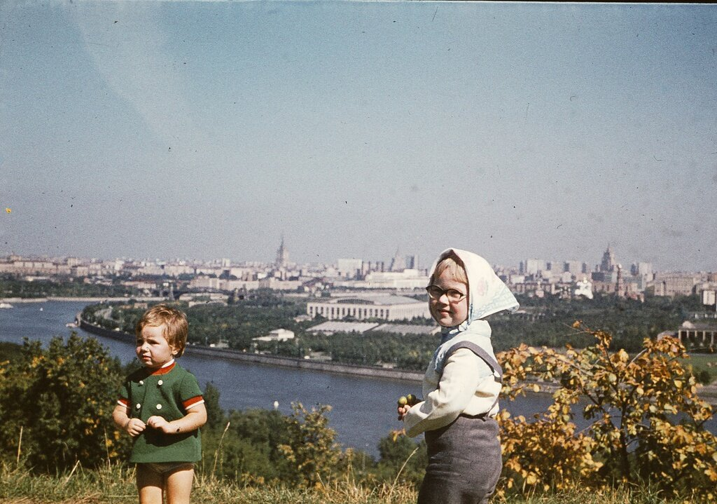 Ленинские горы. Вячеслав Бычков, сентябрь - октябрь 1977 года, г. Москва, Ленинские горы, из архива Дениса Бычкова.